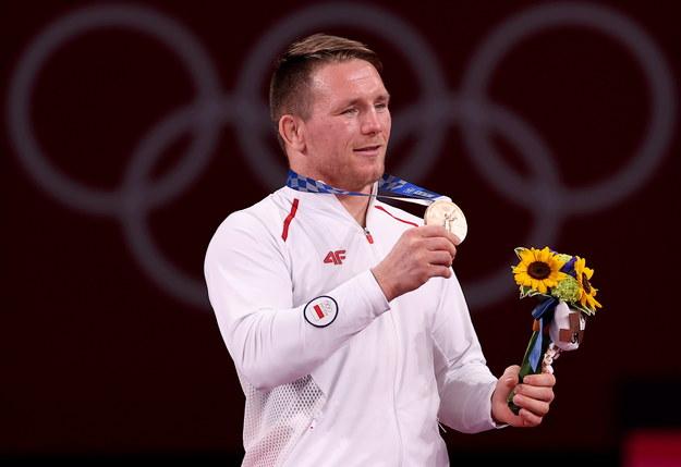 Tadeusz Michalik z brązowym medalem / Leszek Szymański    /PAP
