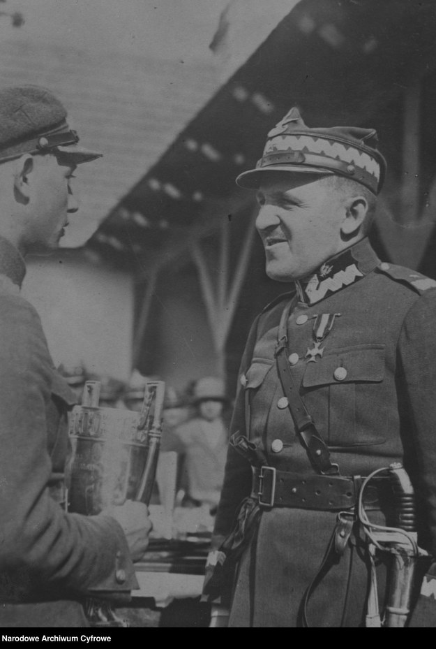 Tadeusz Piskor już jako generał /Z archiwum Narodowego Archiwum Cyfrowego