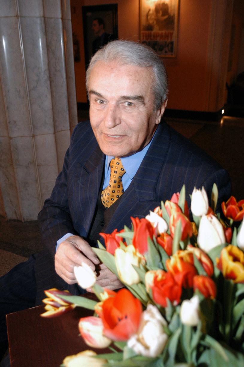 """Tadeusz Pluciński na premierze filmu """"Tulipany"""" w reżyserii Jacka Borcucha (2005) /AKPA"""
