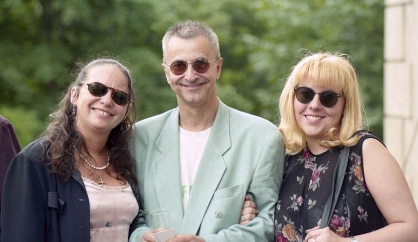 Tadeusz Ross z żoną Sonią (po prawej) i byłą żoną, Małgorzatą Potocką (po lewej). Obecnie aktor ma piątą żonę /Zenon Zyburtowicz /East News