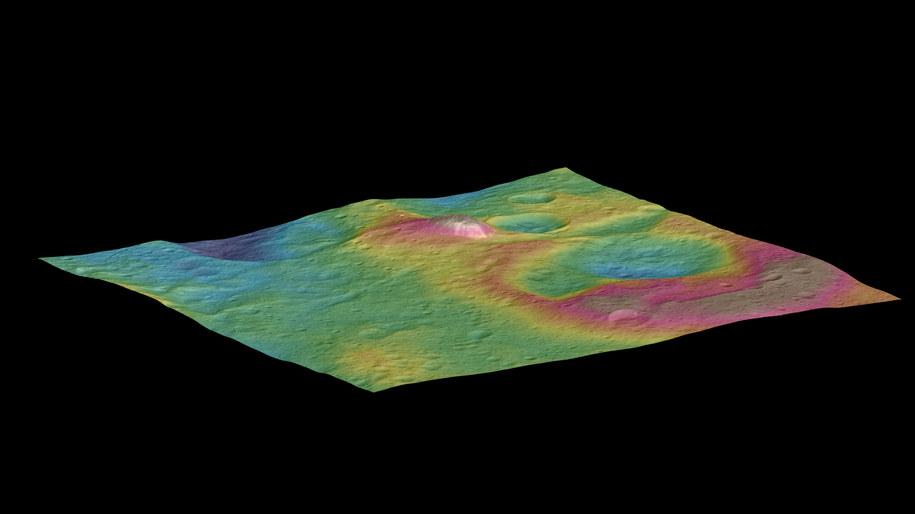 Tajemnicza stożkowa góra na Ceres /NASA/JPL-Caltech/UCLA/MPS/DLR/IDA/PSI /materiały prasowe