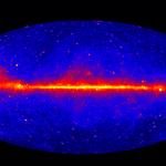 Tajemniczy blask w centrum naszej galaktyki