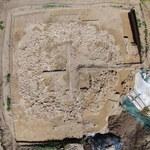 Tajemniczy dom z kości mamutów