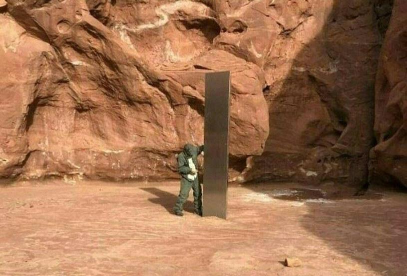 Tajemniczy monolit z pustyni w Utah zniknął. Nie wiadomo, kto za tym stoi /HANDOUT/AFP/East News /East News