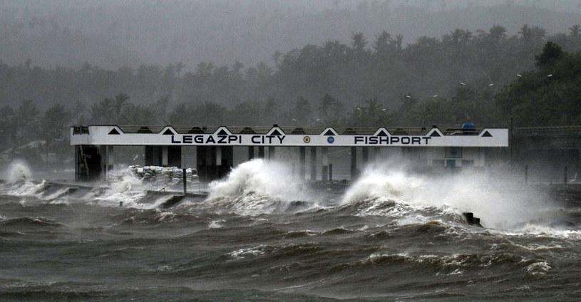 Tajfun Hagupit sieje zniszczenie. /AFP