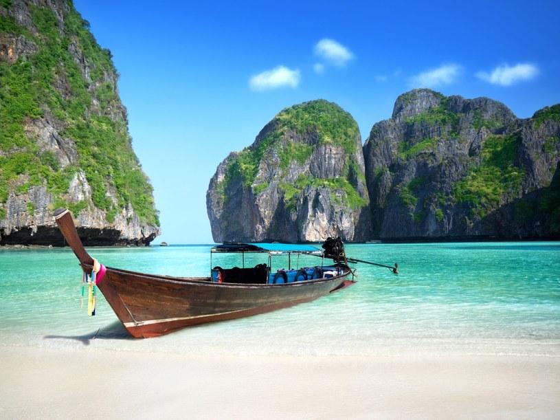 Tajlandia to jeden z bardziej popularnych kierunków turystycznych. Zamknięcie Maya Bay może to zmienić /123RF/PICSEL