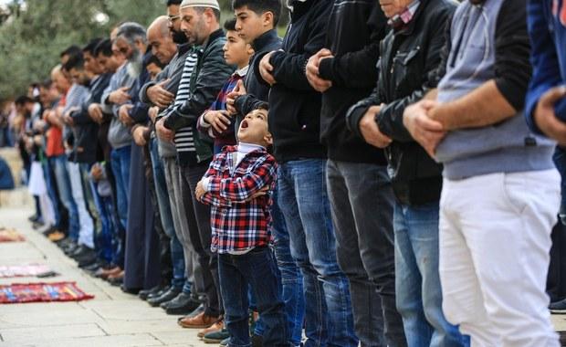 Tajne muzułmańskie sale modlitw w Czechach. Eksperci ostrzegają