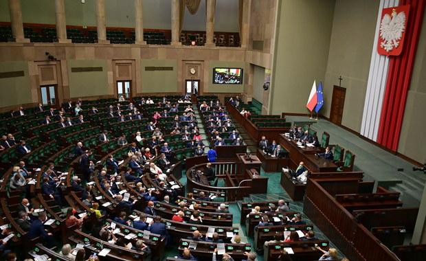 Tajne posiedzenie Sejmu. Kontrole posłów, wyłączone wi-fi