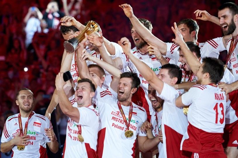 Tak było cztery lata temu. Polacy świętują tytuł mistrzów świata /www.fivb.org