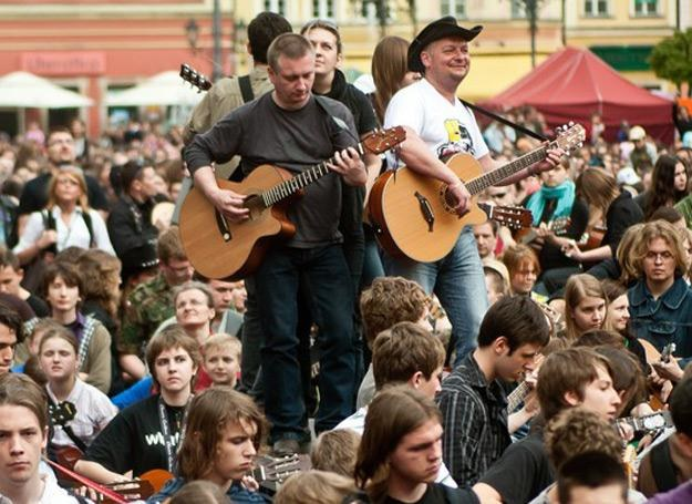 Tak było na wrocławskim Rynku 1 maja 2010 roku - fot. Natalia Dobryszycka /East News