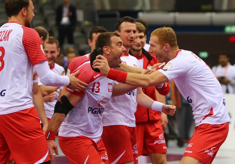 Tak cieszyli się Polacy z awansu do półfinału MŚ w Katarze /AFP