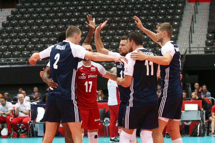 Tak cieszyli się polscy siatkarze w meczu z Czechami /Adam Starszyński /Newspix