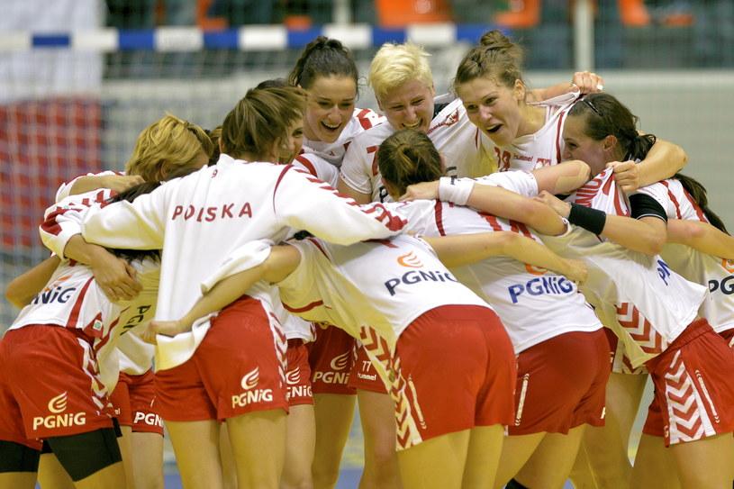 Tak cieszyły się Polki po zwycięstwie nad Rosją /Fot. Adam Warżawa /PAP