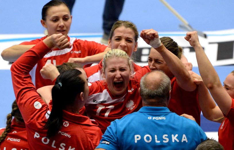Tak cieszyły się Polki z awansu do półfinału mistrzostw świata w Danii /Fot. Marcin Bielecki /PAP