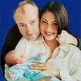 Tak Collins i Cevey cieszyli się z narodzin pierwszego potomka /INTERIA.PL
