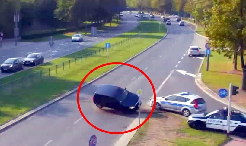 Tak doszło do zatrzymania kierowcy Skody /Policja
