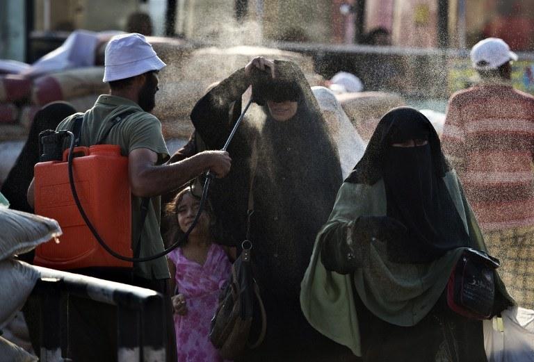 Tak Egipcjanie radzą sobie z upałami /KHALED DESOUKI / AFP /AFP