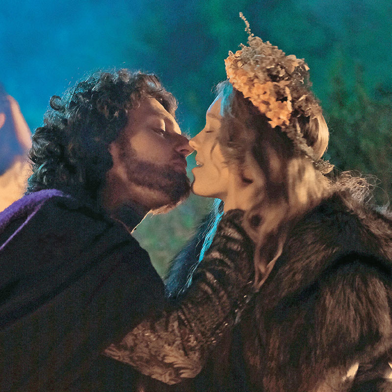 Tak jak w serialu, króla połączyła z Litwinką (Marta Bryła) prawdziwa miłość /Świat Seriali