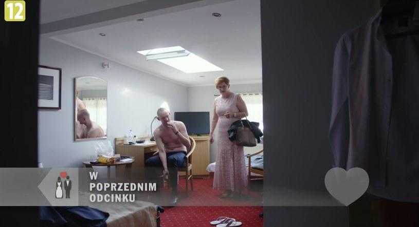 Tak Kamil przygotowywał się do ślubu z Izą. A teraz szykuje się do przeprowadzki do niej /player.pl /TVN