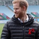 """Tak książę Harry korzysta z """"nowego życia""""!"""