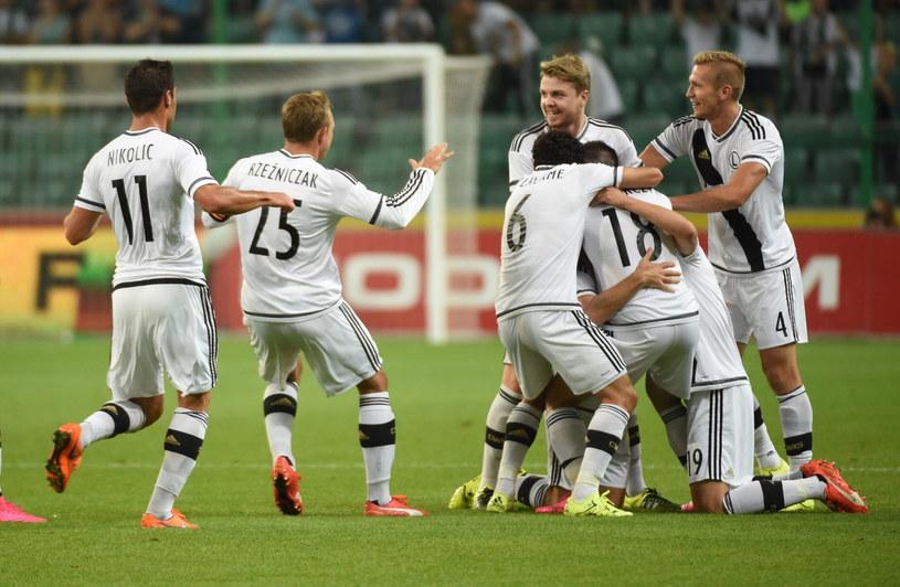 Tak Legia cieszyła się po awansie do fazy grupowej /Radek Pietruszka /PAP