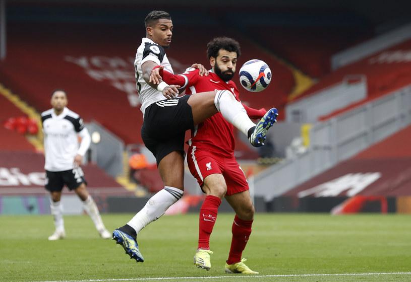 Tak Mario Lemina (z lewej) zabrał piłkę Mohamedowi Salahowi przy akcji bramkowej /PHIL NOBLE  /Getty Images