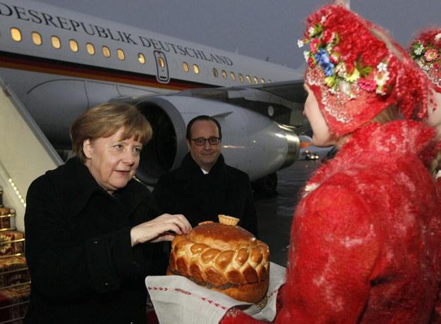 Tak Mińsk witał niemiecką kanclerz /VALENTYN OGIRENKO  /PAP/EPA
