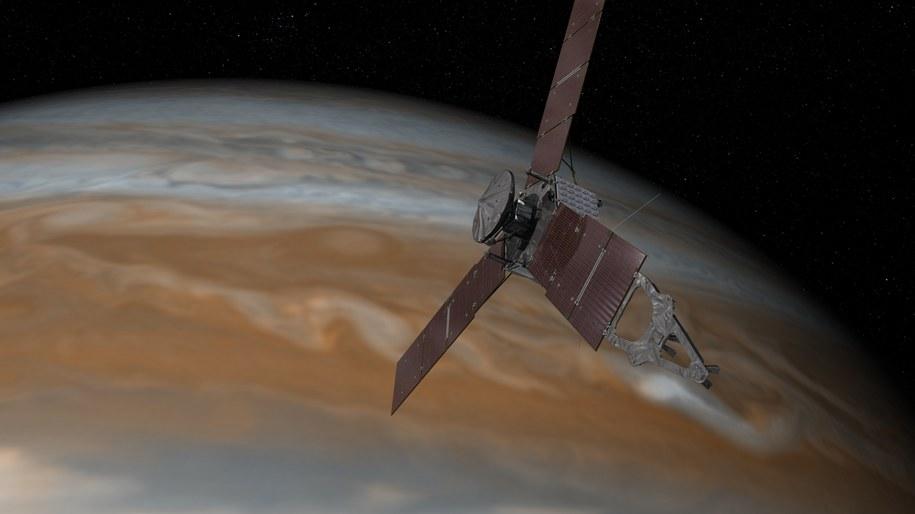 Tak mozna sobie wyobrażać Juno nad Jowiszem /NASA/JPL-Caltech /materiały prasowe