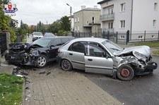 0007N34UFFW8GNUE-C307 Tak omijała auto, że doprowadziła do czołowego zderzenia!