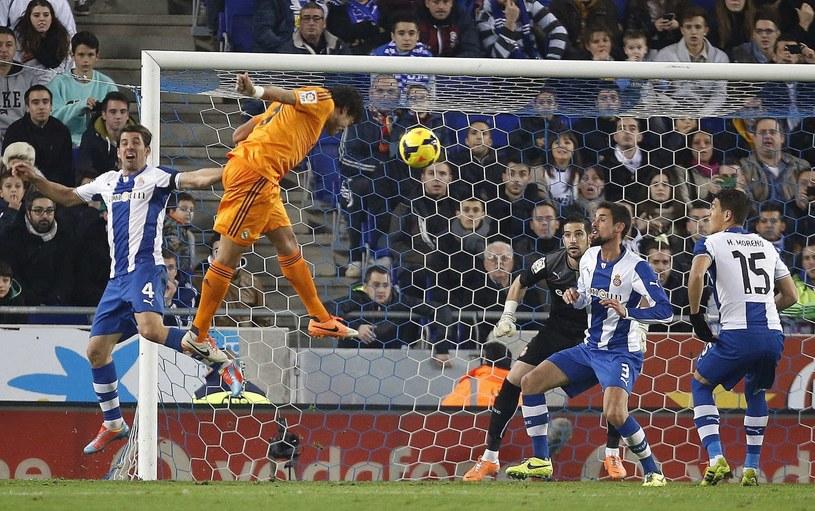 Tak Pepe strzelił gola w meczu z Espanyolem /PAP/EPA