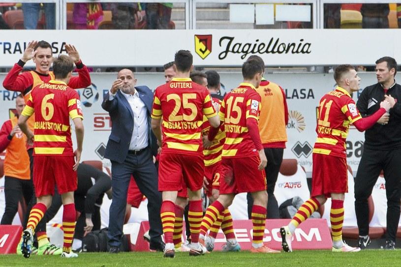 Tak piłkarze Jagiellonii cieszyli się ze zdobycia gola /Marcin Onufryjuk /PAP