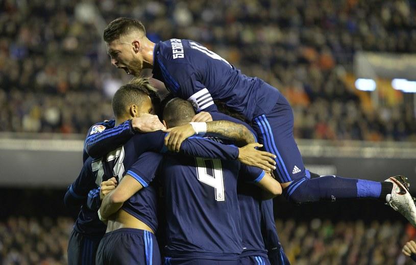 Tak piłkarze Realu cieszyli się po pierwszym golu /AFP