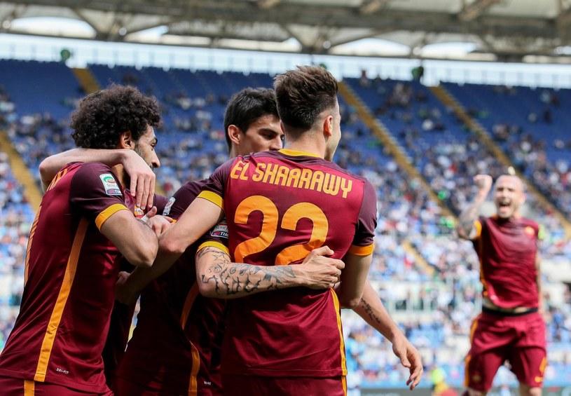 Tak piłkarze Romy świętowali jedną z bramek /ALESSANDRO DI MEO    /PAP/EPA