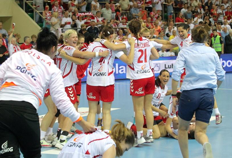 Tak Polki cieszyły się z awansu na mistrzostwa świata /Fot. Tomasz Waszczuk /PAP