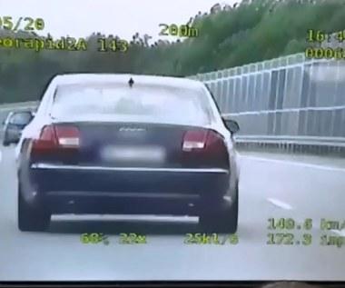 Tak poszalał na autostradzie, że stracił prawo jazdy