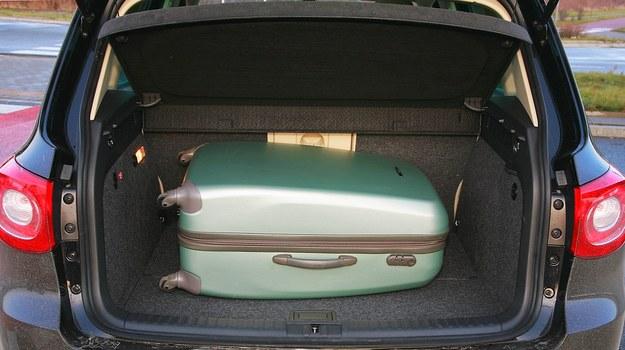 Tak powinien wyglądać bagażnik – regularne kształty, pojemność 470 l, wysokiej jakości wykończenie. /Motor