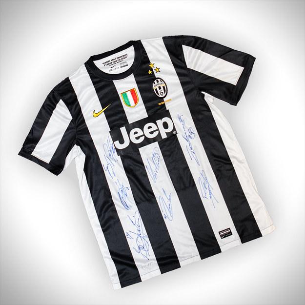 Tak prezentuje się koszulka Juventusu - nagroda w naszym konkursie. /INTERIA.PL