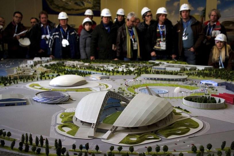 Tak prezentuje się makieta wioski olimpijskiej igrzysk w Soczi /AFP