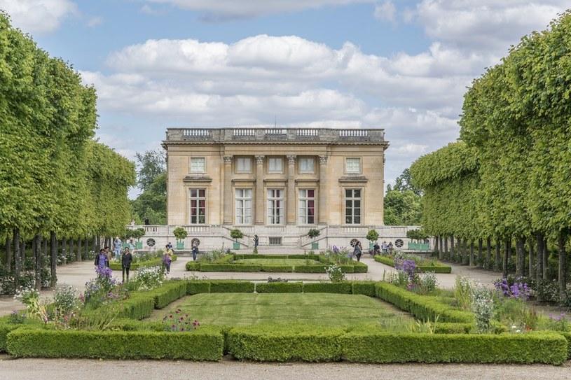 Tak prezentuje się słynny Petit Trianon /Getty Images