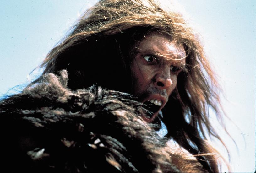 """Tak przedstawiony był neandertalczyk w filmie """"Walka o ogień"""" /Album Online /East News"""