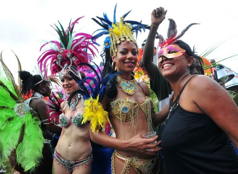Tak się bawią turyści i tubylcy podczas karnawału na Seszelach /AFP