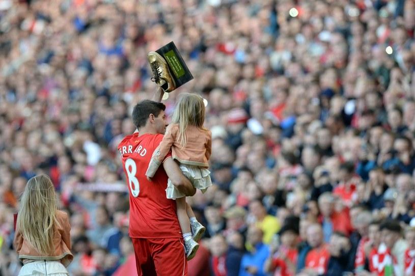 Tak Steven Gerrard żegnał się z Anfield Road /AFP