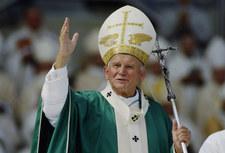 Tak uczcili Jana Pawła II. Zgodę musiał wydać Watykan