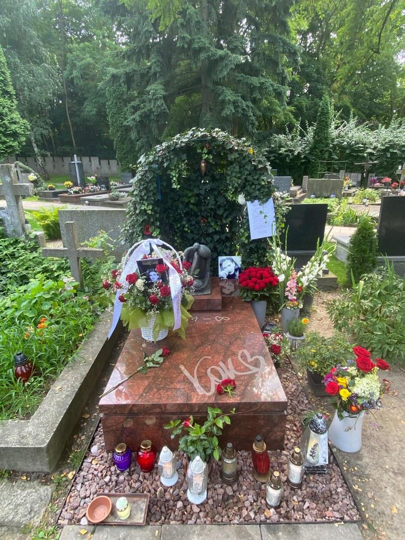 Tak wygląda dziś grób Kory /pomponik.pl /materiał zewnętrzny