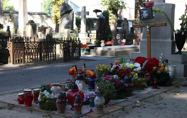 Tak wygląda dziś grób Violetty Villas /Tomasz Radzik /East News