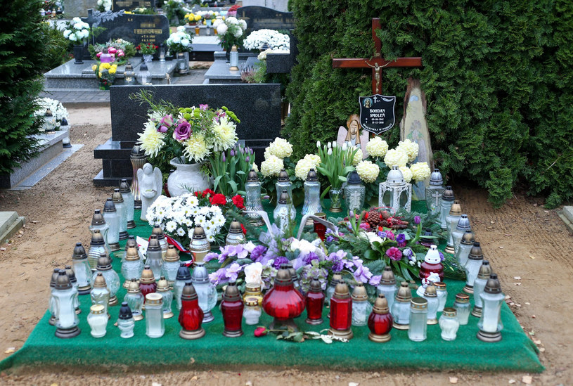 Tak wygląda grób Bohdana Smolenia /Przemysław Szyszka / SE /East News