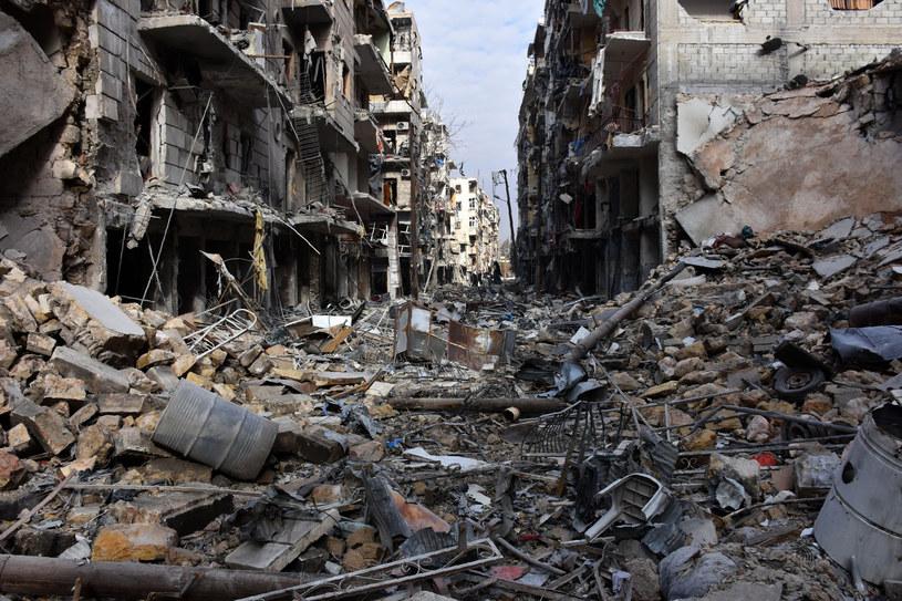 Tak wygląda jedna z ulic Aleppo /AFP