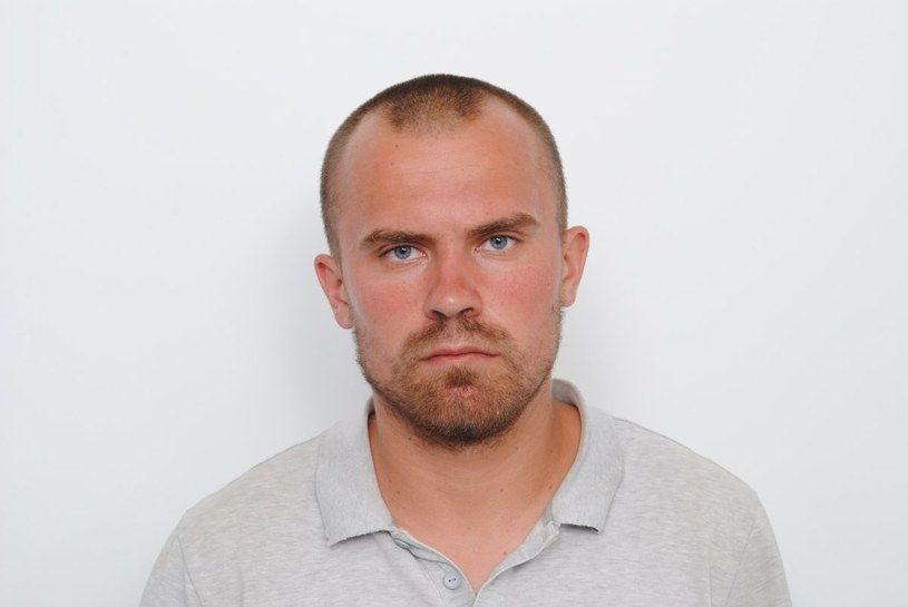 Tak wygląda około 30-35 letni mężczyzna, którego tożsamość próbuje ustalić policja /Policja Elbląg /Archiwum