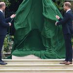 Tak wygląda pomnik Diany w Londynie! Książę William i Harry uczcili matkę wzruszającą przemową