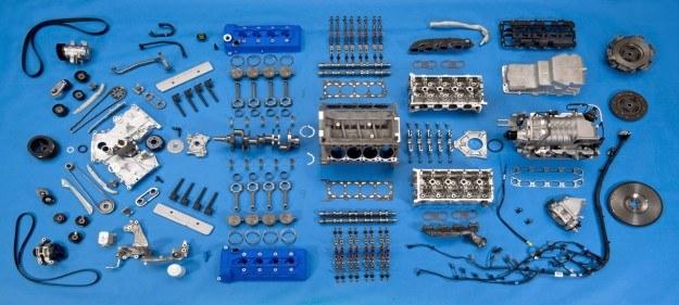 Tak wygląda V8 rozłożone na części /